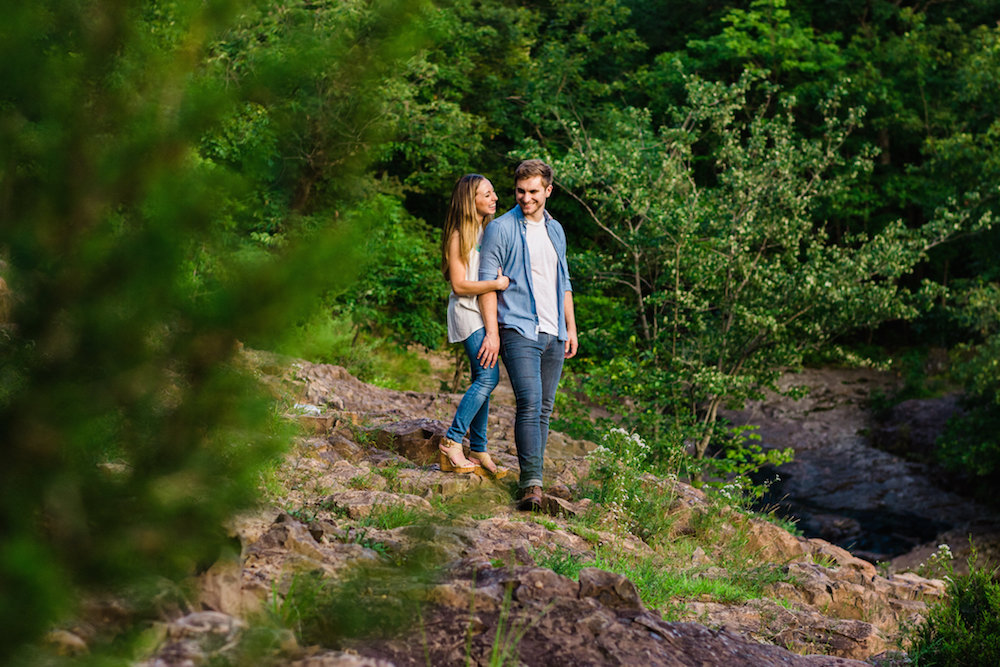 attractive-young-couple-engagement-photos-on-mountain-nj-wedding-photographer-south-mountain-reservation-west-orange