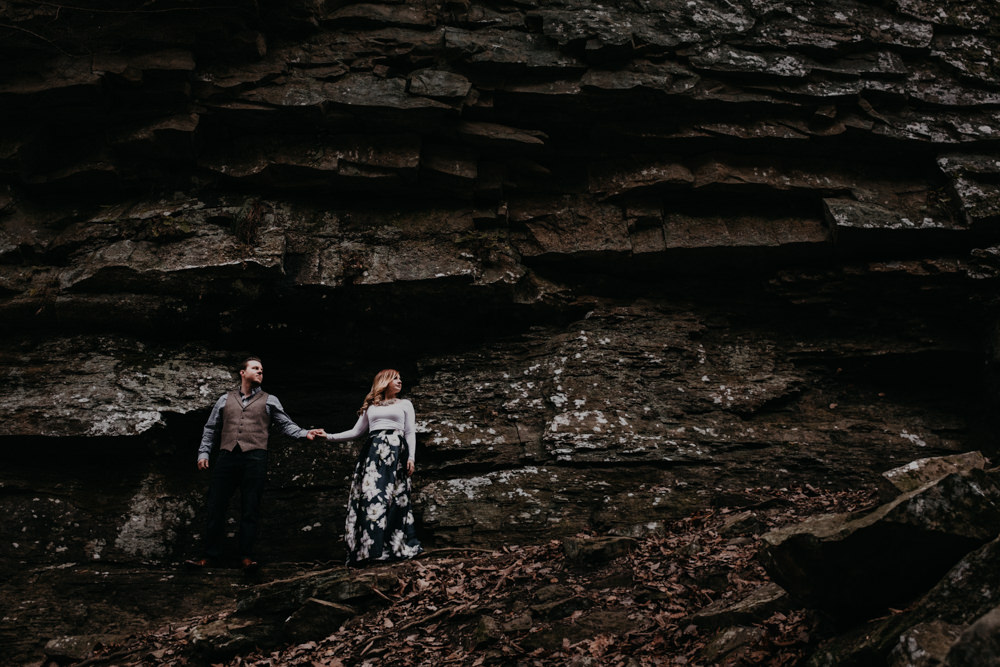 cool-awesome-rock-perspective-holding-hands-charlotte-russe-banana-republic-american-eagle-outdoor-couples-photo-shoot-cloudland-canyon-cody-bre-stephens-atlanta-georgia-photographer
