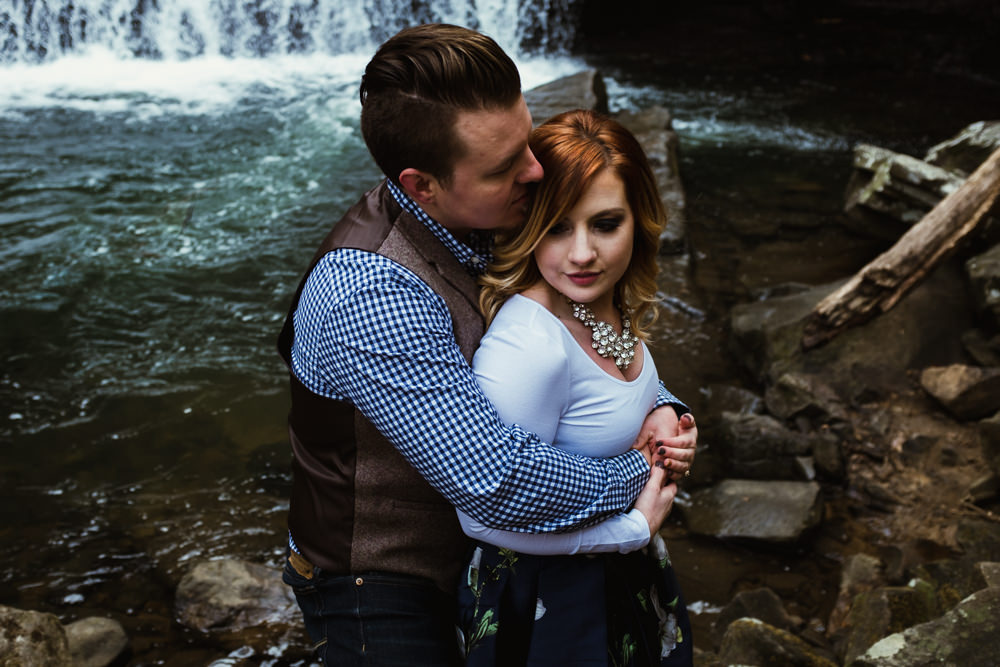 cute-hug-waterfall-charlotte-russe-banana-republic-american-eagle-outdoor-couples-photo-shoot-cloudland-canyon-cody-bre-stephens-atlanta-georgia-photographer