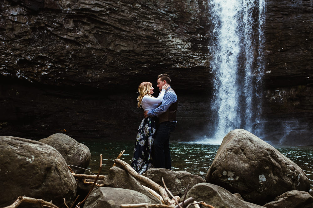 cute-waterfall-happy-charlotte-russe-banana-republic-american-eagle-outdoor-couples-photo-shoot-cloudland-canyon-cody-bre-stephens-atlanta-georgia-photographer