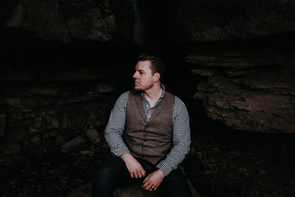 handsome-groom-rock-cave-charlotte-russe-banana-republic-american-eagle-outdoor-couples-photo-shoot-cloudland-canyon-cody-bre-stephens-atlanta-georgia-photographer