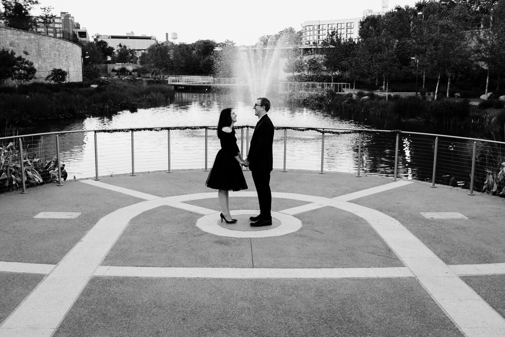 couple-fountain-style-cute-classy-maggie-wolicki-lang-burghardt-engagement-photos-atlanta-wedding-old-fourth-ward-park