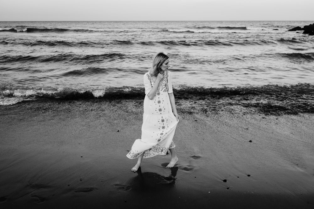 pretty-girl-beach-waves-black-white-ashley-jensen-nj-wedding-photographer-asbury-park-ocean-grove